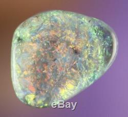 0.9ct STUNNING RED GREEN LIGHTNING RIDGE SOLID CRYSTAL OPAL GEM a328