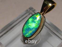 1.25 ct Bright GEM COLOR Opal Pendant solid 22 k Yellow Gold