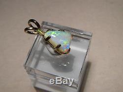 2.50 ct Australian Gem Opal Pendant solid 14 kt yellow gold