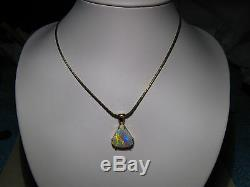 4.3 ct Brilliant Australian Gem Opal Pendant solid 14 kt yellow gold