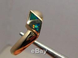 Triangle Opal Inlay Ring 3.2 grams solid 14 k Yellow Gold Size 7 1/4