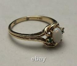 Vintage 14K. 585 Solid Yellow Gold Opal Green Emerald Estate Ring Size 8. 2.55g