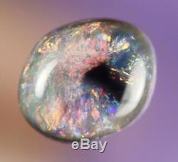 0.9ct Splendide Rouge Vert Bleu Noir Lightning Ridge Solid Opale Gem A296