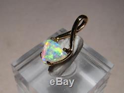 1,0 Ct. Pendentif En Forme De Cristal Australien Avec Opale Massive En Or Jaune 14 Kt