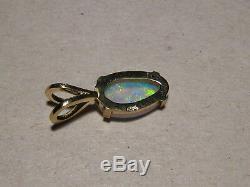 1.1 Ctw. Cristal Australian Gem Opal Pendentif Solide 14 Kt Or Jaune