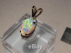 1,25 Ctw. Pendentif En Forme De Cristal Australien Avec Opale Massive En Or Jaune 18 Kt