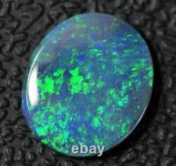 1.35 Cts Australien Semi Noir, Cabochon Opal Solide, Lightning Ridge