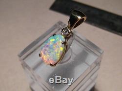 1,60 Ct Australian Gem Opal & Pendentif Diamant Solide Or Jaune 18 Carats