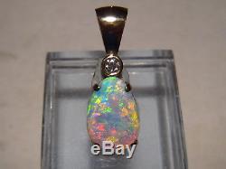 1,60 Ctw. Pendentif Australien Avec Opale Et Diamant Serti De Diamants En Or Jaune 18 Kt