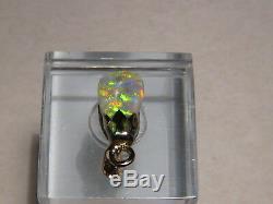 2.3 Ct. Vert Et Orange Fixe Australie Semi-black Opal Pendentif En Or Jaune 14 Carats De