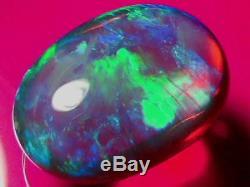 25,5 Carat Haut Dôme Brillant Couleur Roulement Massif Naturel Cristal Noir Opale