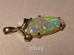 3.8 Ct. Gem Opal Pendentif Solide 14 Kt Or Jaune