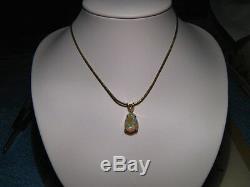 4,5 Ct. Pendentif D'opale Bleue Australienne En Or Jaune 14 Kt Massif