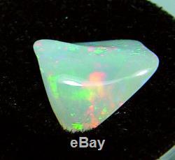 4,73 Carats Opale Solide Freeform Brésilien, Décalant Rouge, Bleu, Le Feu Vert
