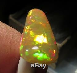 6.5ct. Welo Miel Opal Solidbrilliant Fireorangegoldredgreen