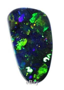 86cts Unique Free-form Bleu Clair / Vert Solide Black Opal (2286)