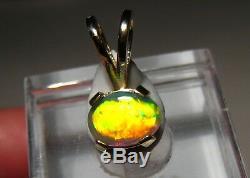 90 Ct. Pendentif D'opale Noire Australienne De Couleur Néon Rouge, Or Massif 14 Kt