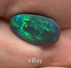 Australian Black Opal! Solide / Naturel! Dazzling Flash! Électrique Vert / Bleu! 4.0ct