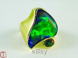 Bague Australiana En Or Jaune Massif Serti D'une Opale Verte Vert Foncé, Accentué D'un Riche Opale Rouge