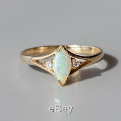 Bague De Fiançailles À Diamants Et Opale Australienne Taillée En Australie, Or Jaune 14k
