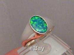 Bague Opale Solitaire Australien Pour Homme Solide En Or Blanc 14 K Avec Neon Color Gem