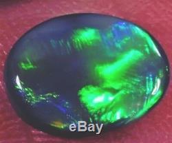 Belle Opale Noire Éclatante Solide D'un Éclat Vert Éclatant De 2,20 Ct