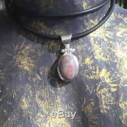 Belles Australiennes Anamooka Solides Hues Opale De Rouge, Bleu Et Vert