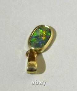 Black Opal 14k Or Pendentif Ovale Avec Des Couleurs Bleu Vert Or Rouge Vif