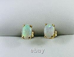 Boucles D'oreilles 18k Solid Australian Opal Stud 750 Griffes En Or Jaune