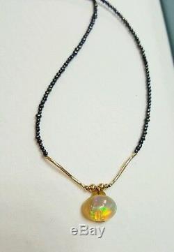 Collier De Perles De Cabochon En Opales De Feu Éthiopiennes Rouges, Bleues, Vertes Et Vertes