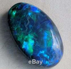 Elegant 4.7ct Noir Opale Vert & Bleu Ovale Lightning Ridge