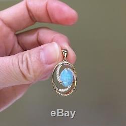 Étincelle Bleue Et Verte Pendentif En Or Massif 9k Sertie De Diamants