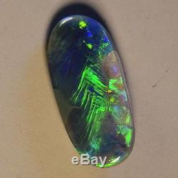 Fiery Greens Dans Cette Solide Pierre Australienne Opale Noire Lightning Ridge 12718