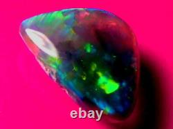 Motif De Couleur Superbe Roulement Brillant Exceptionnelle Solide Cristal Noir Opale 9.7ct