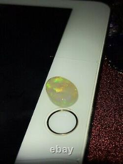 Opale De Cristal Solide De Crête De Foudre