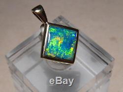 Parler De Bright! Pendentif Opale Australien Avec Gemme Massif