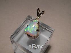 Pendentif Avec Opale De Gemme Australienne De 2,50 Ct En Or Jaune 14 Kt
