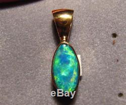 Pendentif D'opale De Couleur Gem Brillant De 1,25 Ct Avec Opale Massive En Or Jaune 22 Kt