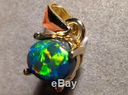 Pendentif D'opale Noire Australienne Rouge De 1,0 Ct En Or Jaune 14 Carats