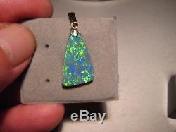 Pendentif D'opale Noire En Or Jaune 14 Kt Massif De 3,0 Ct. Très Lumineux Et Scintillant