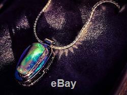 Pendentif D'opale Noire Solide En Or Blanc 9k Avec Collier Australien Fait À La Main Bleu Vert