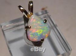 Pendentif D'opale Semi Noir / Blanc De 2,05 Ct En Or Jaune 14 Kt