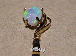 Pendentif Élégante D'opale Australienne Pour Dames En Or Jaune 14 Carats