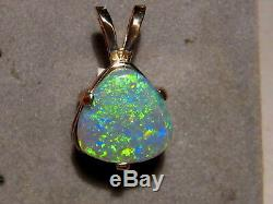 Pendentif Semi-opale Noire De 2,25 Ct En Or Jaune 14 Carats Massif