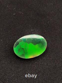 Solid Noir Opal Modèle Nid D'abeille Rouge Vert Orange Jaune Feu 1.75 Carat