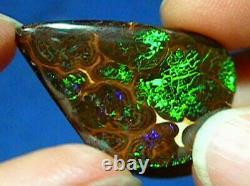 Superb Greens 39ct Natural Australian Solid Matrix Boulder Opal Voir La Vidéo