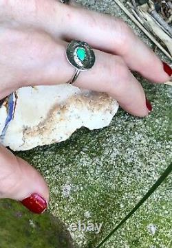 VIVID Vert / Bleu Solid Opal Circle Of Life Anneau Sterlingsilver Taille L. 5